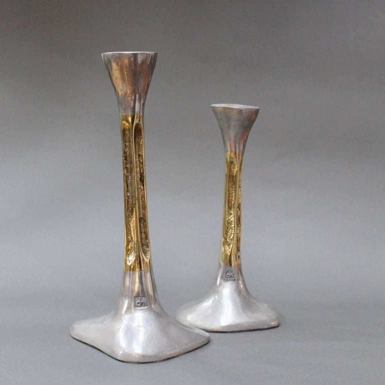 Pair of Brutalist Style Aluminium and Brass Candlesticks by David Marshall 1980s In Good Condition For Sale In London, GB
