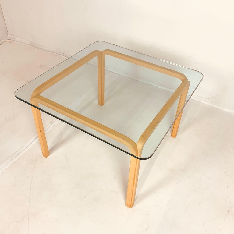20th Century Pair of Alvar Aalto Artek Y805 Glass & Bentwood Birch Coffee or Cocktail Tables For Sale