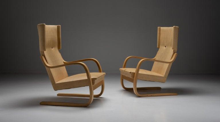 Modern Pair of Alvar Aalto Cantilevered Armchairs, Finland circa 1930