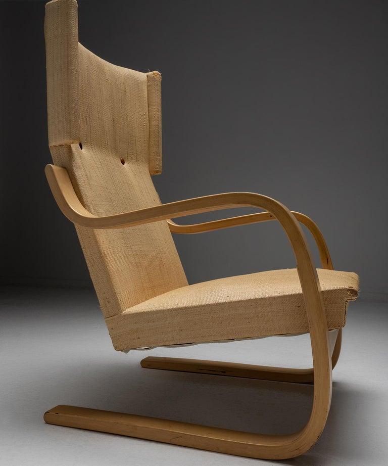 Pair of Alvar Aalto Cantilevered Armchairs, Finland circa 1930 In Good Condition In Culver City, CA
