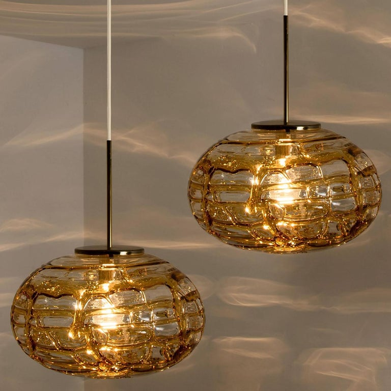 Pair of Amber Murano Glass Pendant Lamp, 1960s In Good Condition For Sale In Rijssen, NL