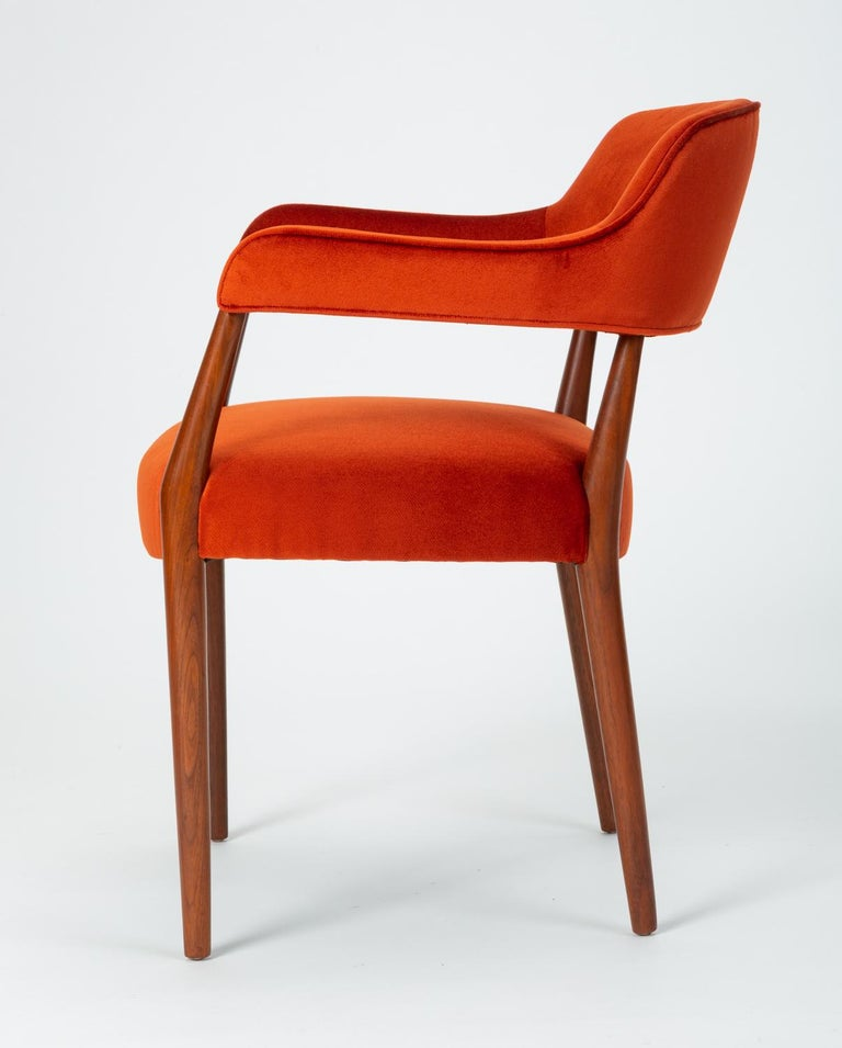 Pair of American-Made Armchairs by J.G. Furniture Company In Excellent Condition For Sale In Los Angeles, CA