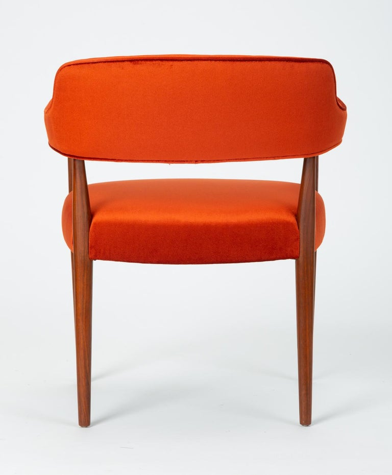 20th Century Pair of American-Made Armchairs by J.G. Furniture Company For Sale