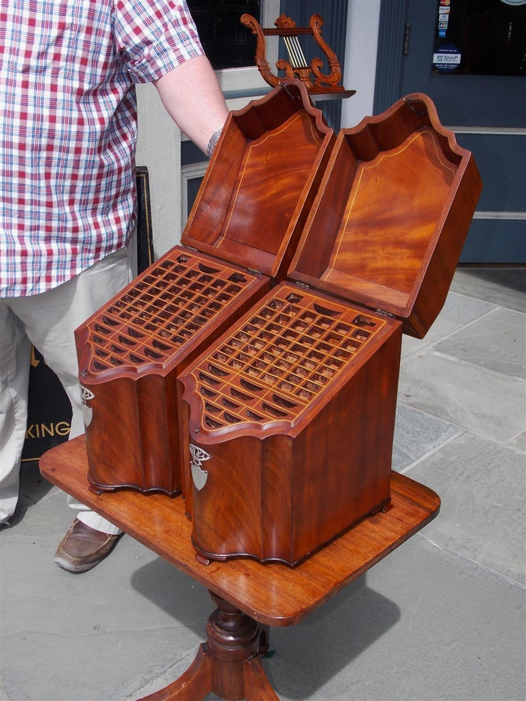 Pair of American Mahogany Serpentine Cutlery Boxes with Silver Mounts , C. 1790 In Excellent Condition For Sale In Charleston, SC