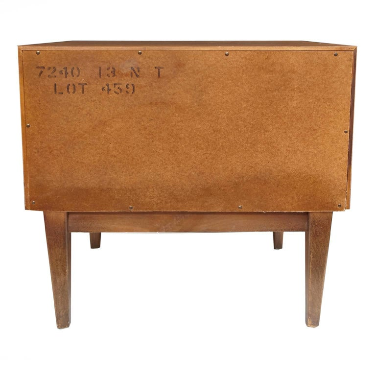 Pair of American of Martinsville Mid-Century Modern Night Stands or End Tables For Sale 2