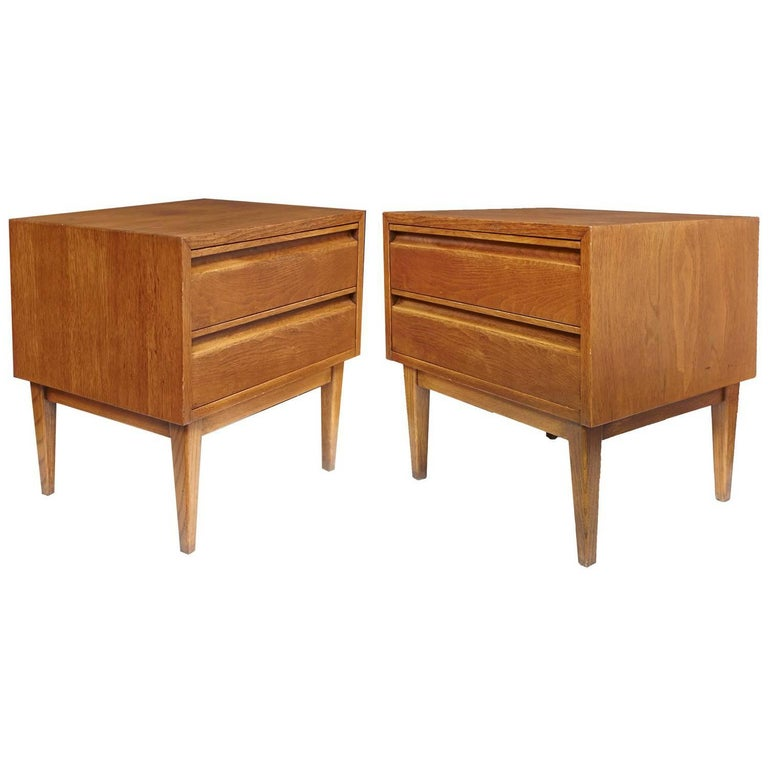 Pair of American of Martinsville Mid-Century Modern Night Stands or End Tables