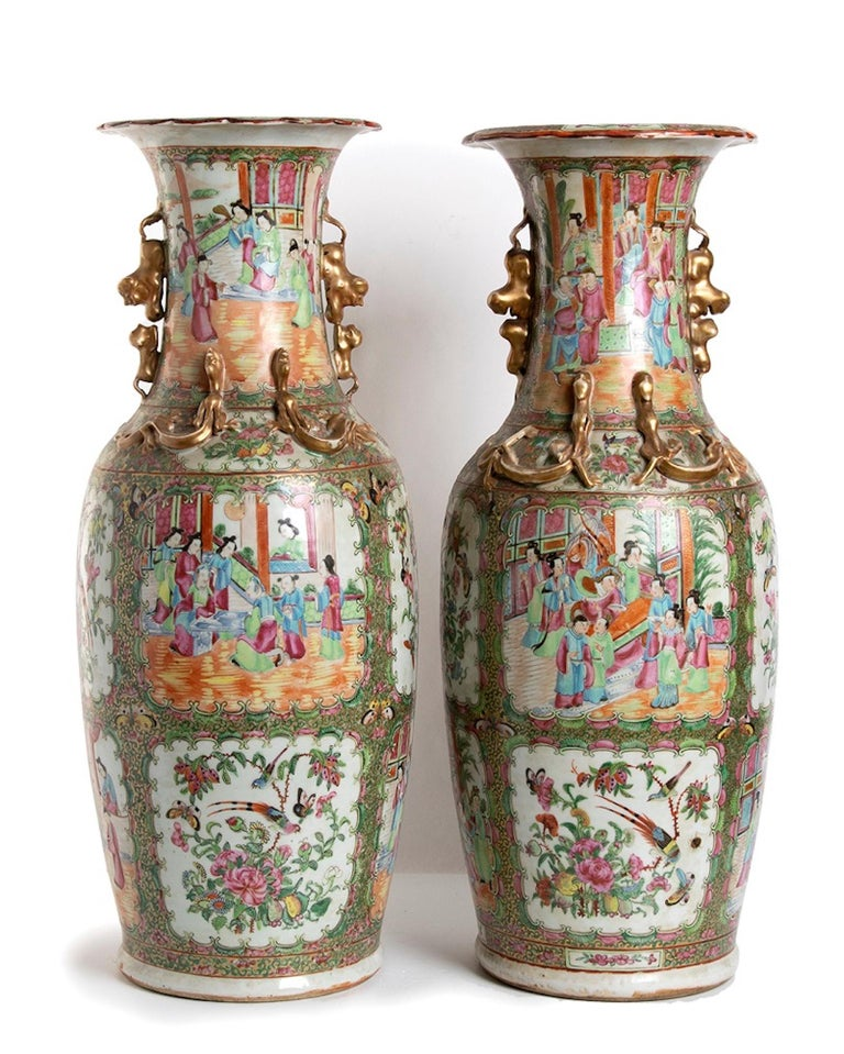 Chinese Pair of Antique Balustrade Porcelain Vases, Qing Dynasty China For Sale