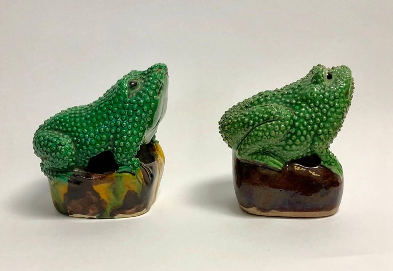 Pair of 19th Century Chinese Porcelain Famille Verte Egg/Spinach Glazed Frogs For Sale 2