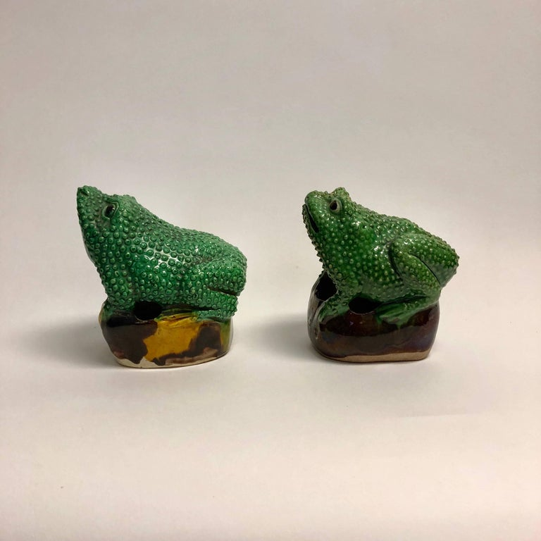 Pair of 19th Century Chinese Porcelain Famille Verte Egg/Spinach Glazed Frogs For Sale 3
