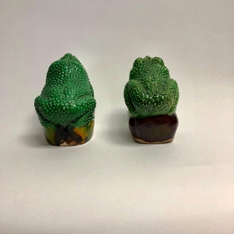 Pair of 19th Century Chinese Porcelain Famille Verte Egg/Spinach Glazed Frogs For Sale 4