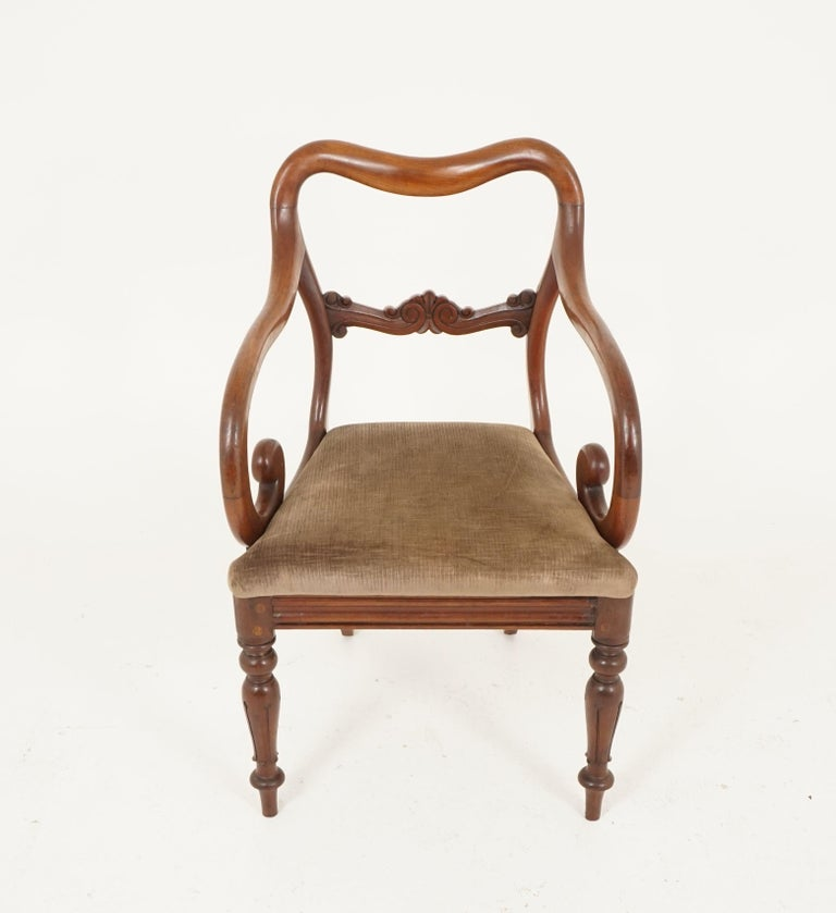 Pair of Antique Armchairs, Victorian Mahogany Dining Armchairs, Library Chairs In Good Condition For Sale In Vancouver, BC