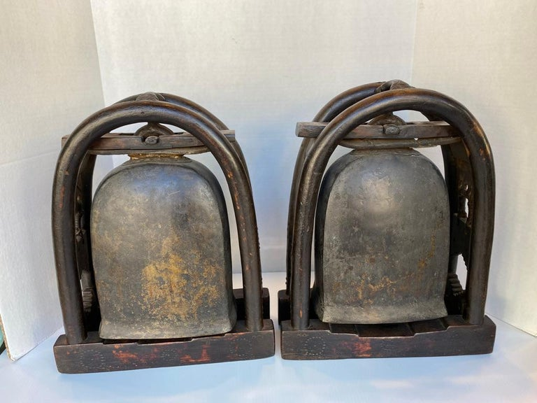 Pair of Antique Bronze Elephant Temple Bells with Gold Gilt Accents In Good Condition For Sale In Sarasota, FL