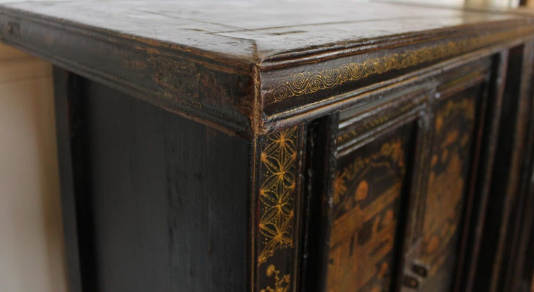 Pair of Antique Chinese Tapered Cabinet For Sale 3