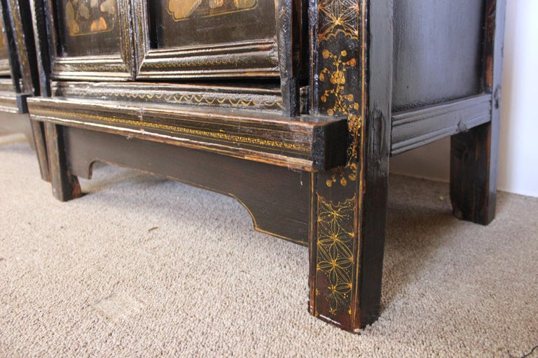 19th Century Pair of Antique Chinese Tapered Cabinet For Sale
