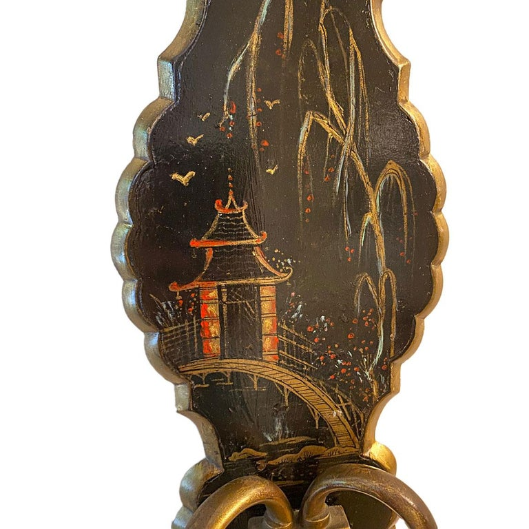 Pair of Antique Chinoiserie Sconces In Good Condition For Sale In New York, NY