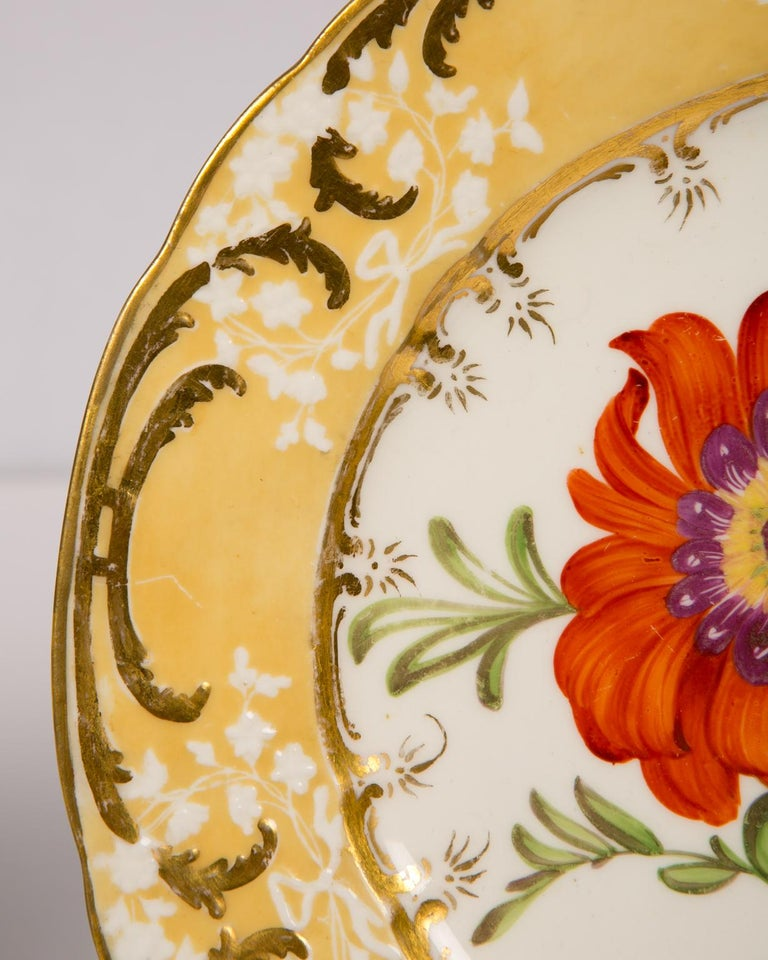 Early 19th Century Pair of Antique Dishes with Single Hand-Painted Flower circa 1825 For Sale