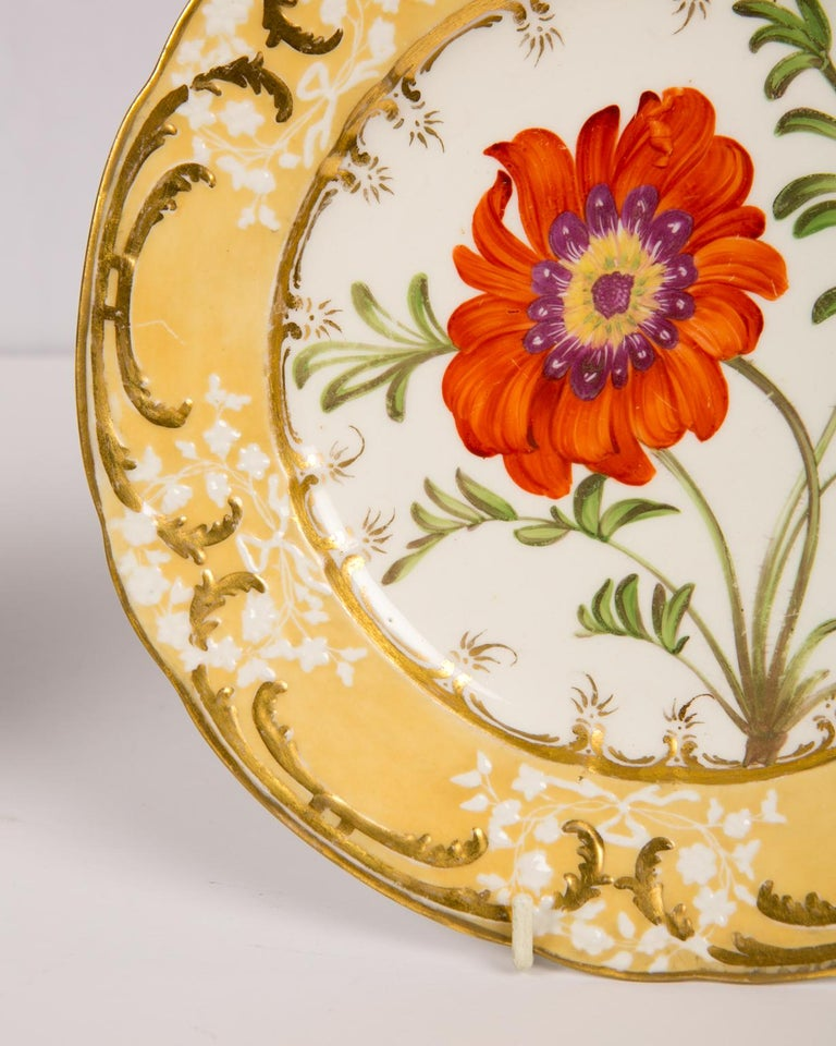 Porcelain Pair of Antique Dishes with Single Hand-Painted Flower circa 1825 For Sale
