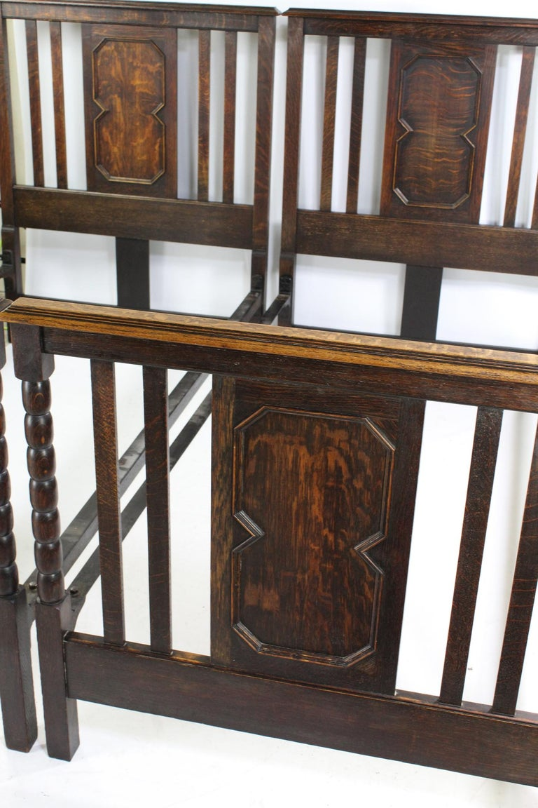 Pair of Antique Edwardian Oak Single Twin Beds, US Twin Size Bedsteads For Sale 1