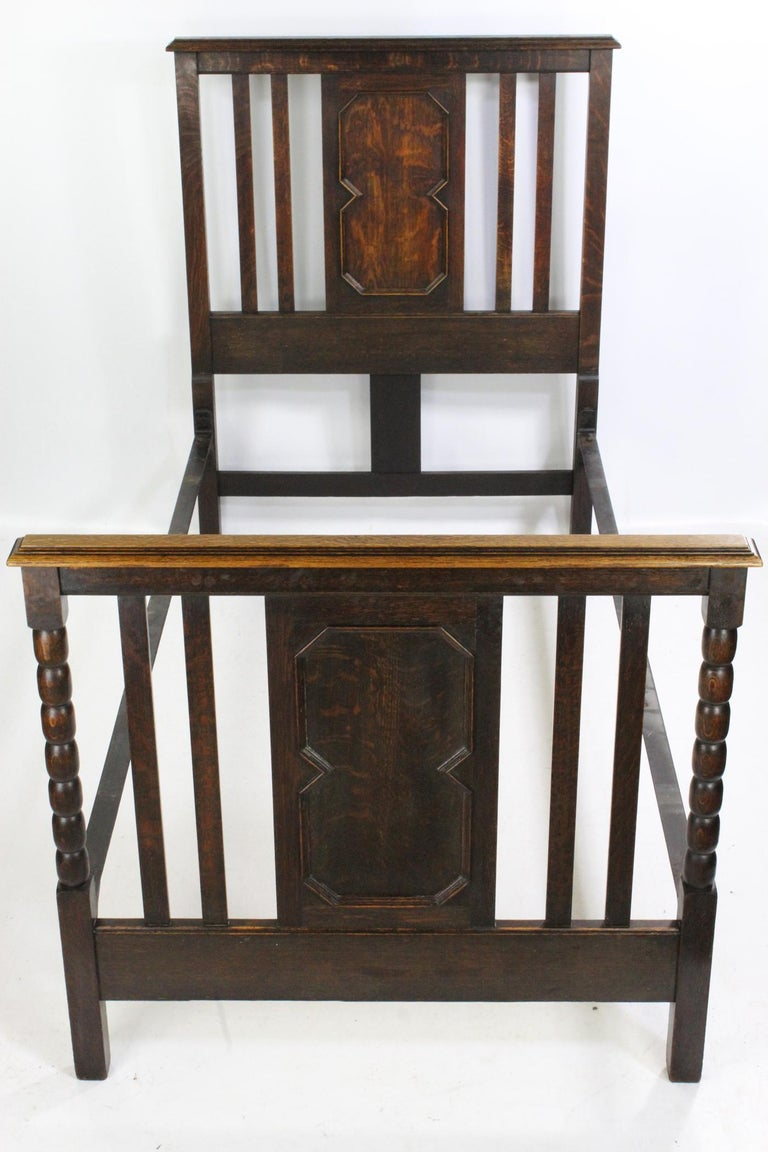 Pair of Antique Edwardian Oak Single Twin Beds, US Twin Size Bedsteads For Sale 3