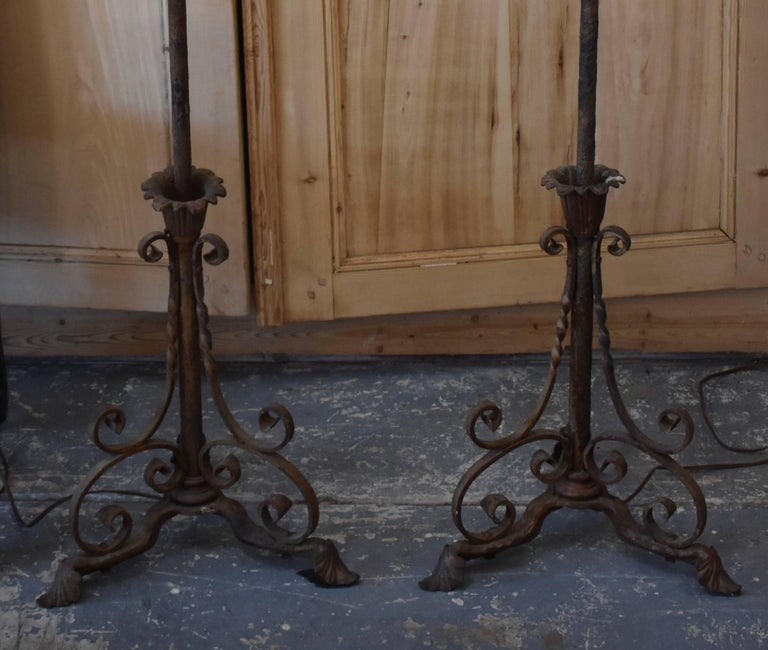 Early 20th Century Pair of Antique French Iron Floor Lamps For Sale