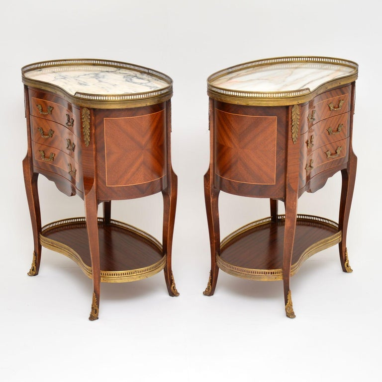 Pair of Antique French Marble-Top Kidney Side Chests For Sale 5