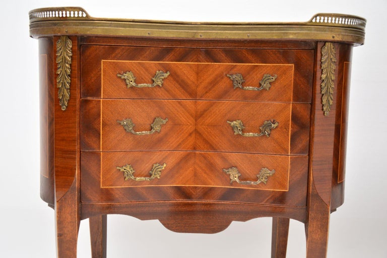 Pair of Antique French Marble-Top Kidney Side Chests For Sale 6