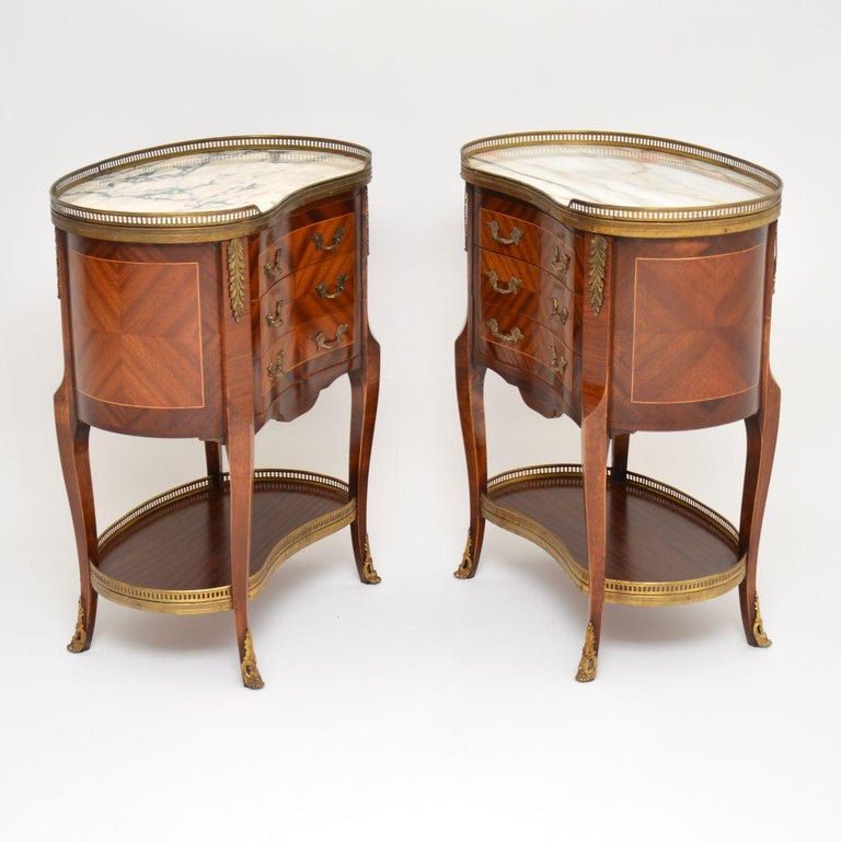 Louis XV Pair of Antique French Marble-Top Kidney Side Chests For Sale