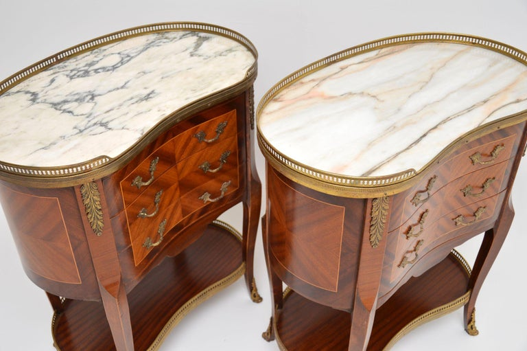 Pair of Antique French Marble-Top Kidney Side Chests For Sale 2