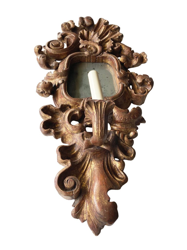 Hand-Carved Pair of Antique Giltwood Mirror Sconces For Sale