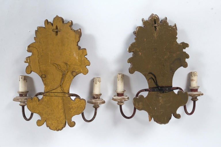Pair of Antique Italian Carved Wood Sconces, early 20th Century For Sale 7