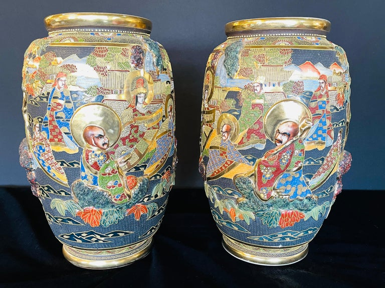 Pair of Antique Japanese Satsuma Vases Figural Scenes In Good Condition For Sale In Stamford, CT