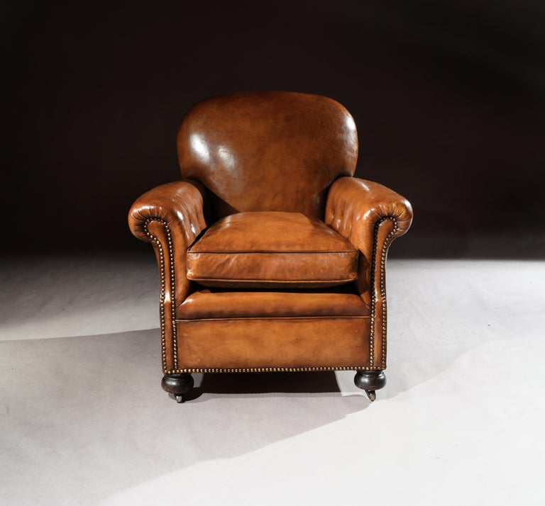 20th Century Pair of Antique Leather Club Armchairs For Sale