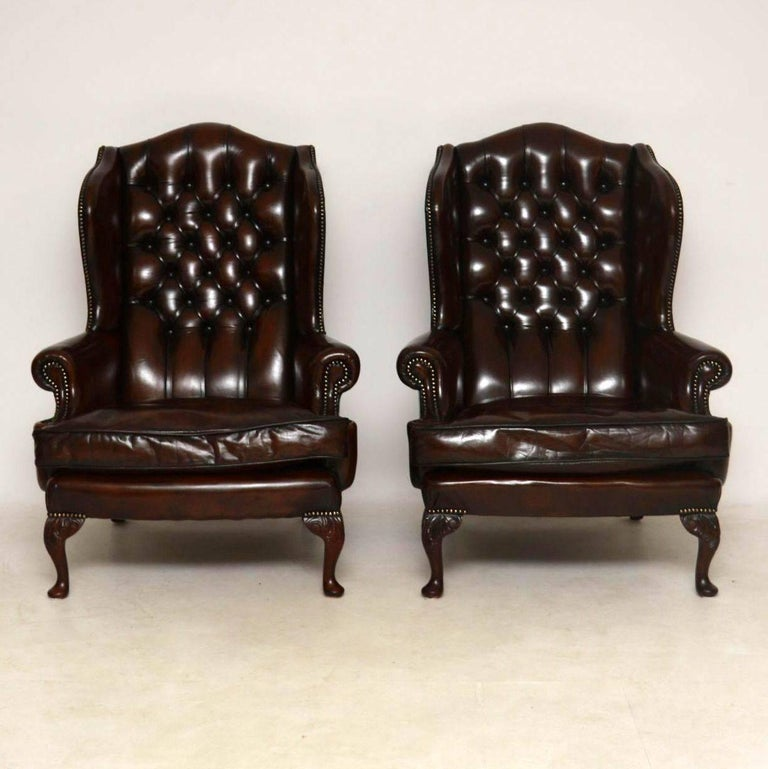 Pair of Antique Leather Wing Back Armchairs In Excellent Condition For Sale In London, GB