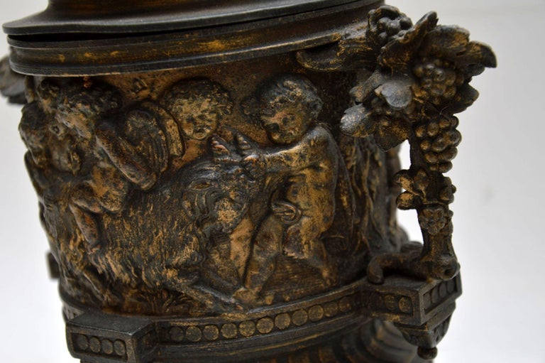 Pair of Antique Neoclassical Bronze Urns For Sale 4
