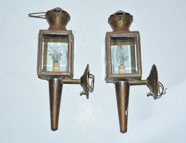 Unknown Pair of Antique Star Pattern Cut Glass Carriage Light Wall Sconces For Sale