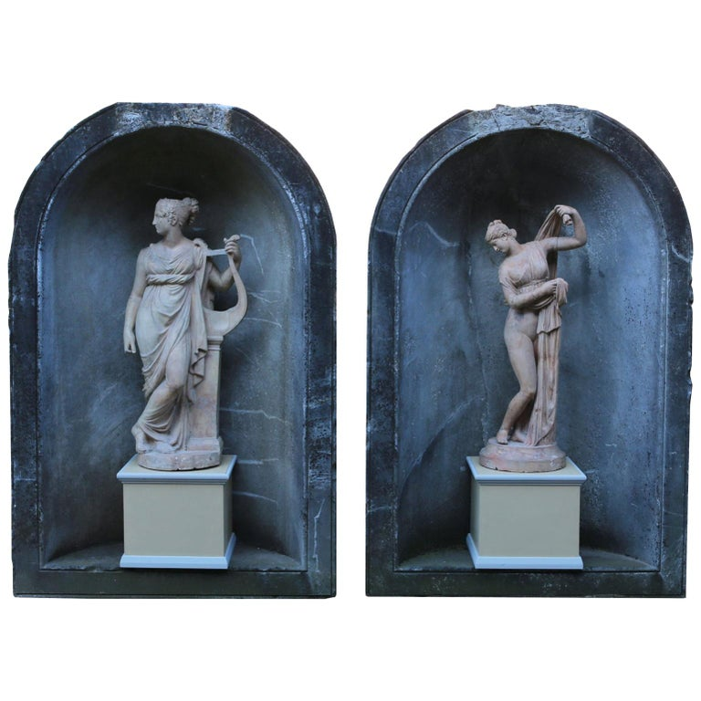 Pair of Antique Statues of the Callipygian Venus and Terpsichore Muse For Sale