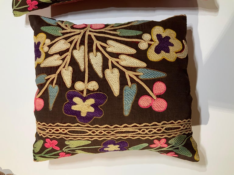 Pair of Antique Suzani Pillows For Sale 3