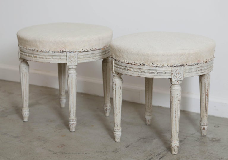 Pair of Antique Swedish Gustavian Style Painted Round Stools, Late 19th Century In Good Condition For Sale In West Palm Beach, FL