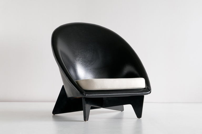 Mid-20th Century Pair of Antti Nurmesniemi Lounge Chairs Designed for Hotel Palace, Finland, 1952 For Sale
