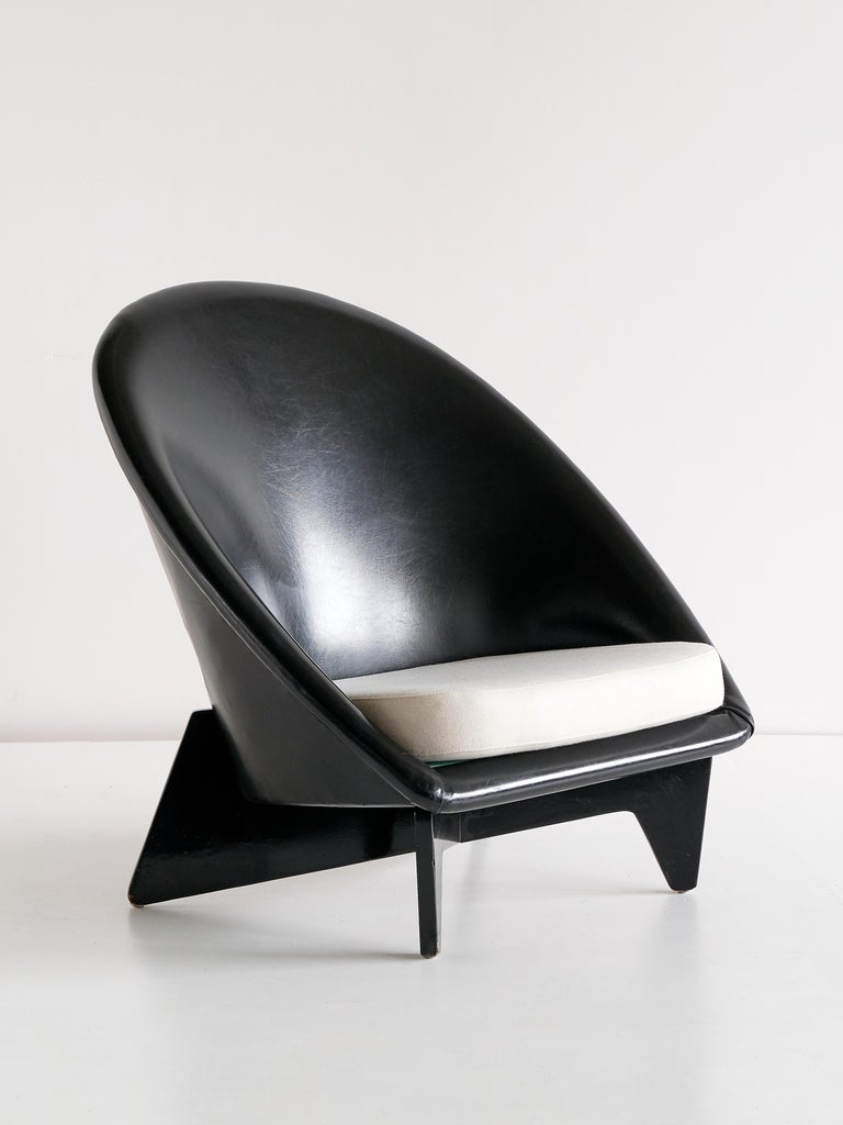 Birch Pair of Antti Nurmesniemi Lounge Chairs Designed for Hotel Palace, Finland, 1952 For Sale