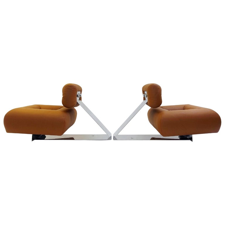 """Pair of """"Aran"""" Lounge Chairs by Oscar Niemeyer, circa 1975 For Sale"""