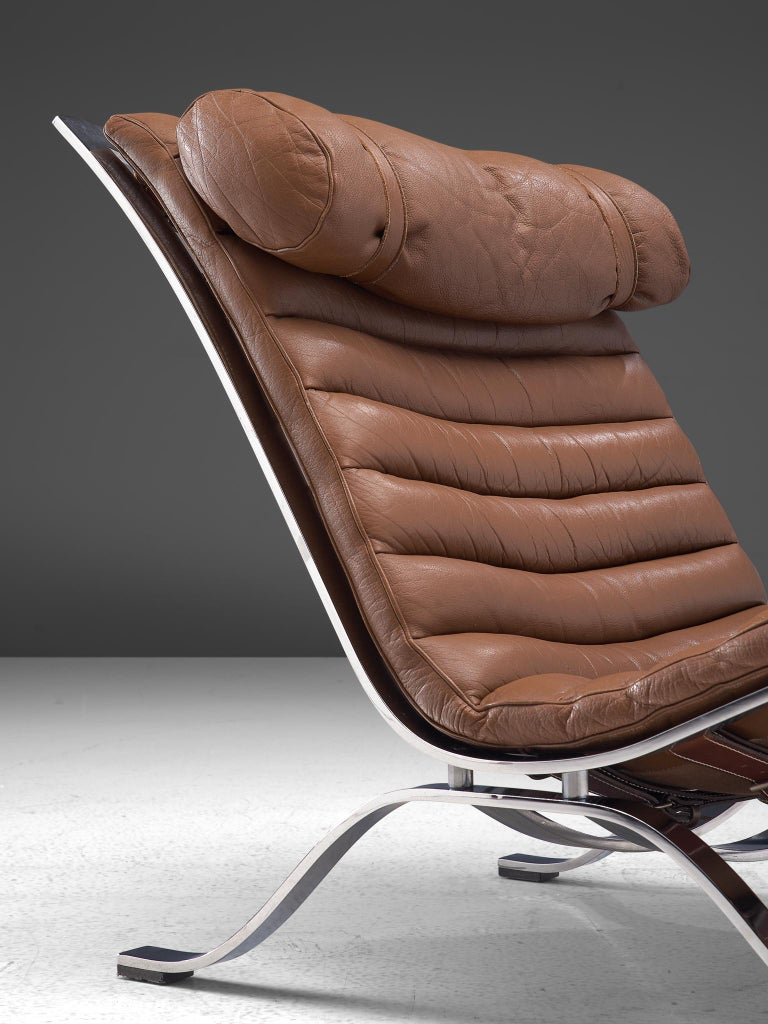 Pair of 'Ari' Lounge Chairs with Ottoman in Brown Leather For Sale 3