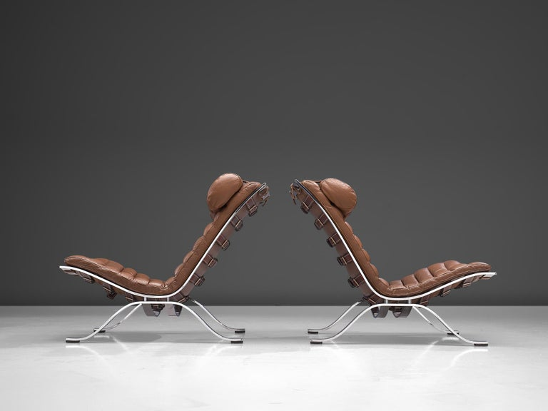 Mid-20th Century Pair of 'Ari' Lounge Chairs with Ottoman in Brown Leather For Sale