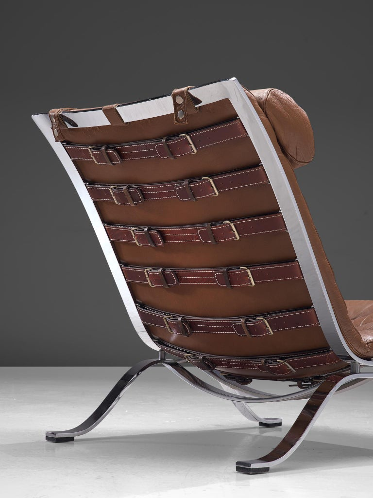 Pair of 'Ari' Lounge Chairs with Ottoman in Brown Leather For Sale 1
