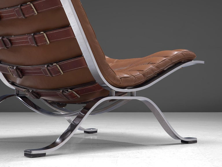Pair of 'Ari' Lounge Chairs with Ottoman in Brown Leather For Sale 2