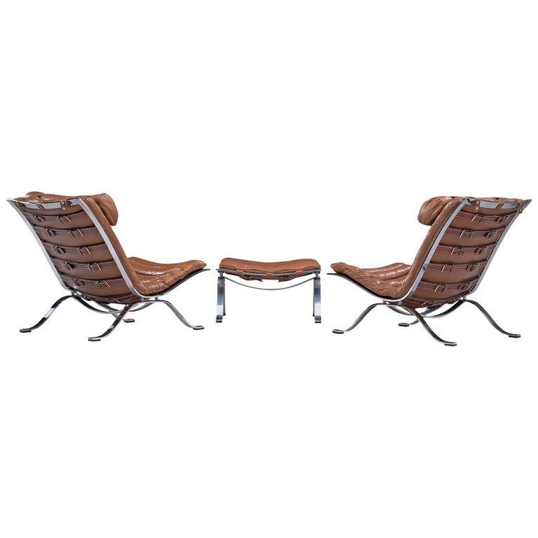 Pair of 'Ari' Lounge Chairs with Ottoman in Brown Leather For Sale