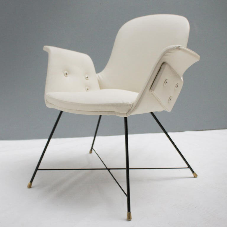 Mid-20th Century Pair of Armchairs by Augusto Bozzi for Saporiti For Sale