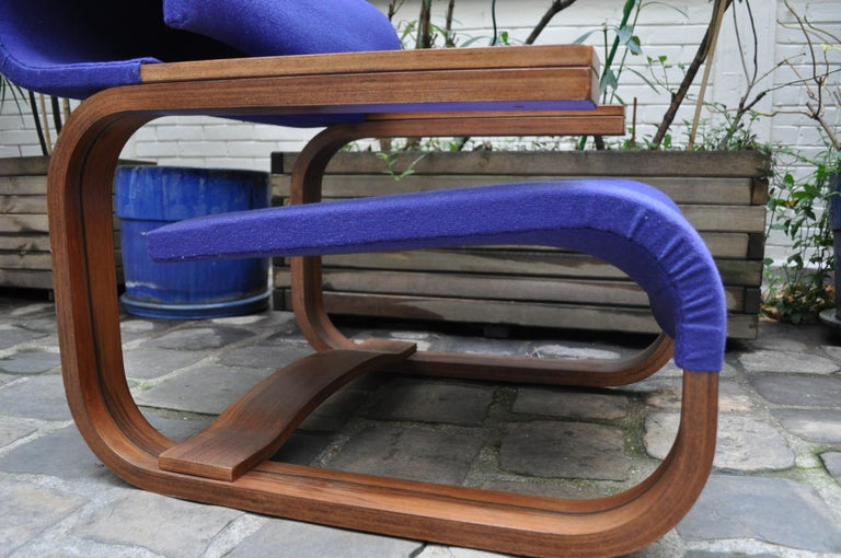 Pair of Armchairs by Jan Bocan for the Czechoslovakian Embassy, Thonet, 1972 For Sale 6
