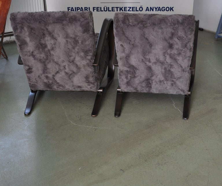 Mid-20th Century Pair of Armchairs by Jindrich Halabala For Sale