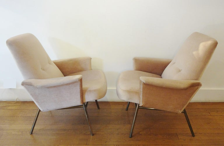 Mid-Century Modern Pair of Armchairs by Pierre Guariche, 1953 For Sale